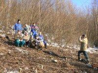 DHZ obce Vojkovce pomáha urbárskej spoločnosti pri očisťovaní plochy pod vysokým napätím v lokalite