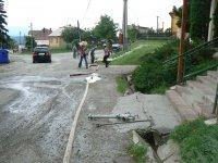 Jún 2011  prepláchnutie upchaného kanála pred potravinami