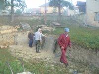 Príprava plochy pod ľadovu plochu si zobrali na starosť pán Kandrik František, Bandžuch Ladislav, Legát Miroslav a Ondrej Balúch
