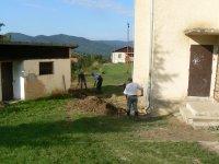 Oprava a výstavba odvodnenia zvodov na budove obecného úradu v roku 2011