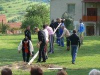 2012 stavanie mája v obci Vojkovce