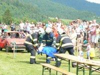 MDD 2011  ukážka záchrany z havarovaného auta  HaZZ Krompachy