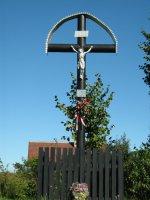 Kríž na ROZPUCOCH pri ceste do susednej obce Kaľava bol obnovený v roku 1989