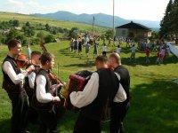 Stavanie mája v obci Vojkovce 2014 8.06.2014