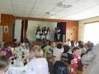 Oslava DM 2015 ,pre ženy čakalo aj prekvapenie v podobe mužského vystúpenia FS BOROVNIČÁK špeciálne pre ženy