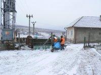 Upratovanie okolia veľkoobjemových kontajnerov, február 2011