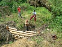 Jún 2011 výstavba protipovodňových zdrží a kaskád v lokalite koryta potoka RYBNÍČEK