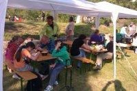 MDD  2012  pripravené občerstvenie si deti mohli zjesť pod pripravenými stanmi
